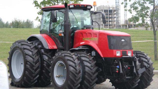 Пакистан закупил 3,5 тысячи тракторов «Беларус»